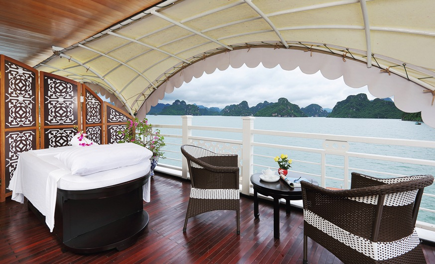 open sea view cabin on cruises halong