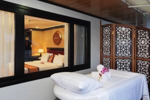 luxury cabin on starlight cruise in halong bay