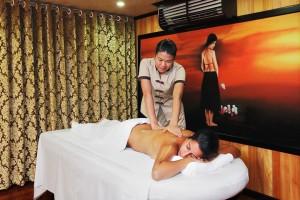 starlight halong cruises provides massage service on halong bay cruises