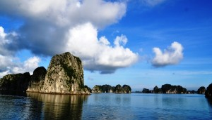 beautiful floating mountains in halong bay