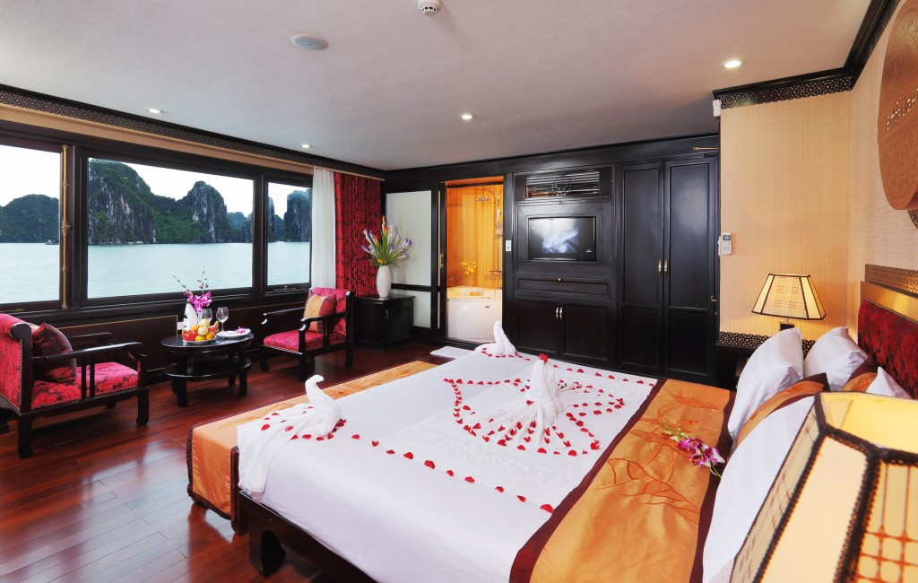 Luxury Cabin on Starlight Cruise halong bay
