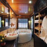 bathroom with jacuzzi on halong bay cruise