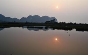 Sunset in Lan Ha Bay via best halong bay cruise