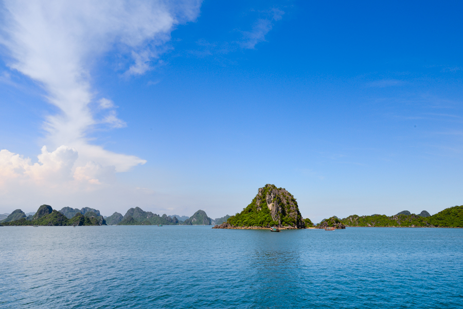 Bai Tu Long Bay of the day