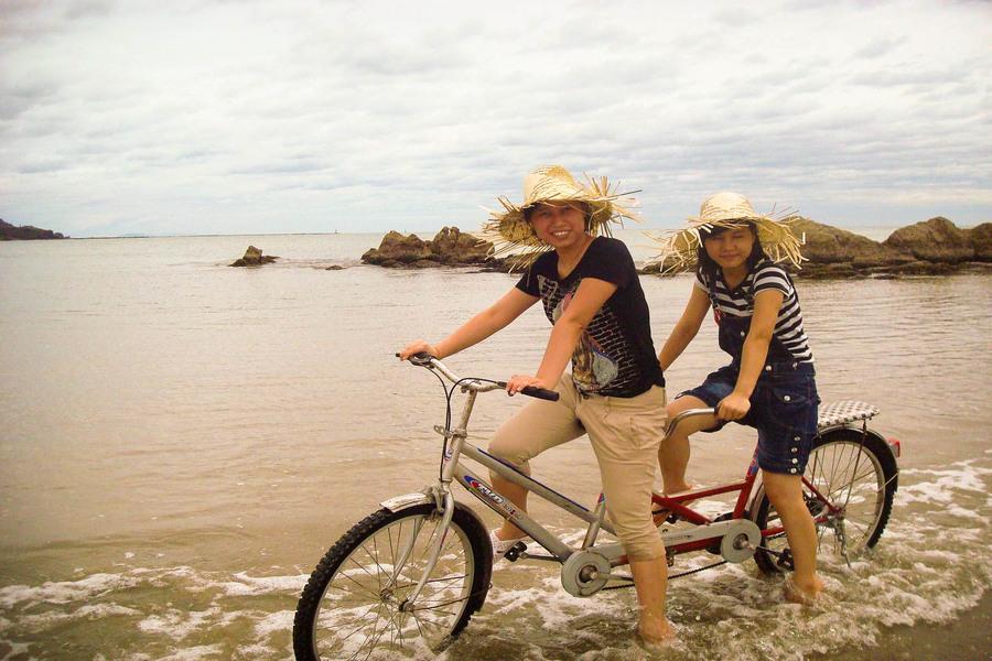Explore Halong by a bike/ double bike